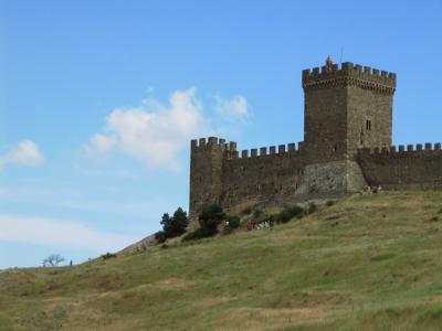 2009年ウクライナ旅行第7日目(4)クリミア半島:中世のお城のようなスダックのジェノヴァ要塞跡と夕方のヤルタ