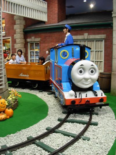 『 機関車! トーマス 』  に、 幼な子 の 思い出! を 重ねて・・・。
