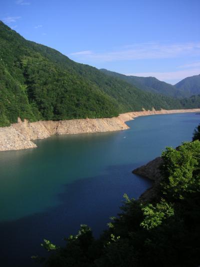 桂湖でボートを漕ぐ