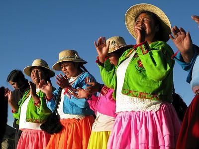 【 2009年 ペルー旅行 】 ~チチカカ湖に浮かぶトトラの島・ウロス島~