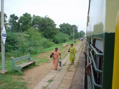 南インド8: 「鈍行列車」  トリッチー⇒タンジャブール