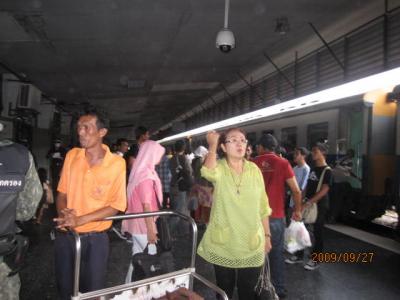 雑感タイ旅行「マレーに吹く風」(31)タイの国際列車。