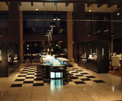 2009年12月 箱根甲子園の2日目の夕食は、ホテル内のレストラン四季彩で、ハーフバイキングのコースをいただきました。