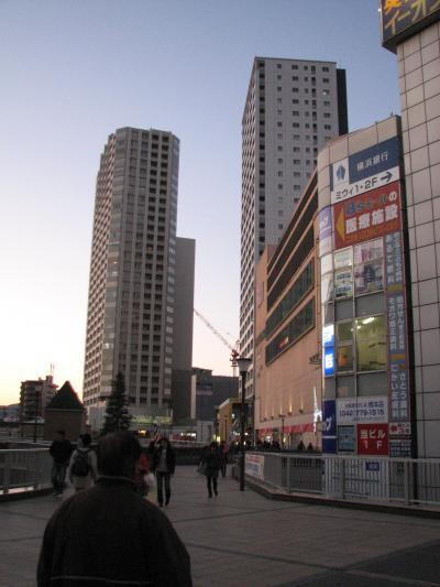 師走の橋本駅の夜景を楽しむ