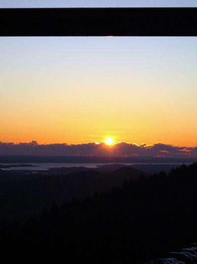 紫峰より望む初日の出