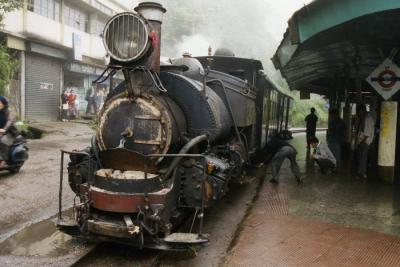 紅茶と汽車とチベット文化を求め、ダージリンへと赴く 【インド ダージリンの旅】