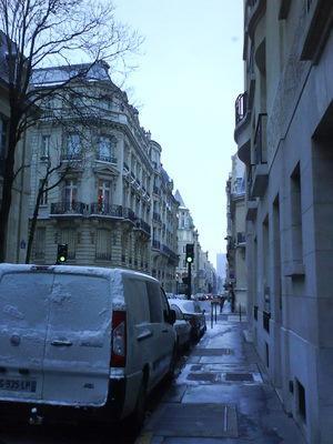 また雪のパリ、バーゲンも盛大!