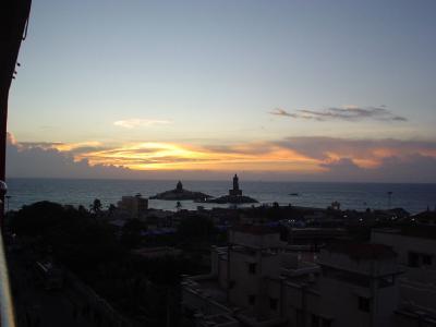 南インド21: インド最南端 「ゲーリー・クーパーと朝日」