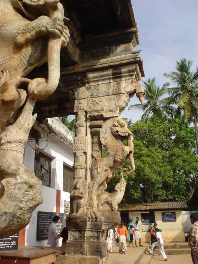 南インド25: トリバンドラム 秘密寺院「スリ・パドマナブハ・スワミ寺院」