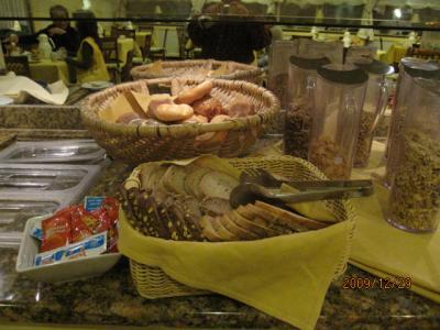 ドイツ・スイス・イタリア・フランス・カミカゼ旅行記(11)ハイデルベルグ「ホテルの朝食」