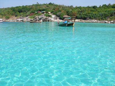PHUKET RAYA (RACHA、ラヤ) 島 エメラルドの海