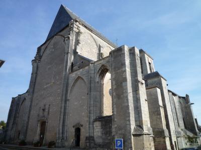 サン・サトゥール村の教会
