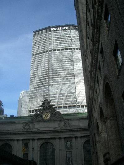 Grand Central は穴の中