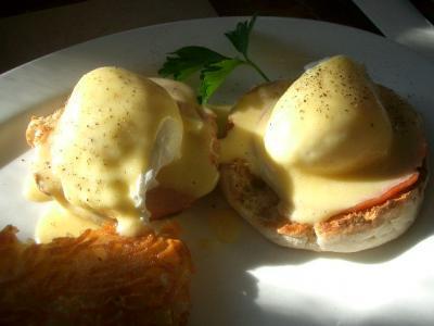 Prune まで Egg Benedict を食べに