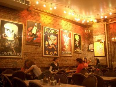 Cafe Lalo でデート。映画に出ている気分です。