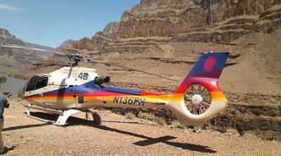 ヘリコプターでグランドキャニオンへ!上空で最悪の状況に…