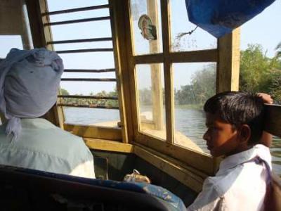 [インド] ケララ 現地人たちのバックウォーター (アレッピー)