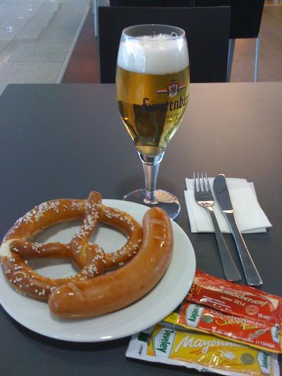 ★ミュンヘン空港でソーセージ