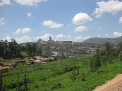 ルワンダ 雄大な自然と深い傷跡