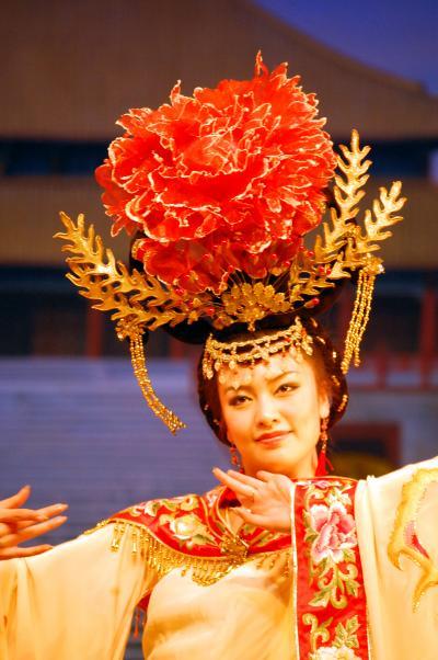 長安之旅(13)西安の夜は陜西歌舞大劇院で「餃子宴」のディナーの後にオプションの「唐楽舞」を楽しむ。