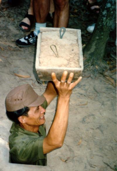 VIETNAM(ベトナム)CU-CHI(クチ)のベトナム戦争の痕跡