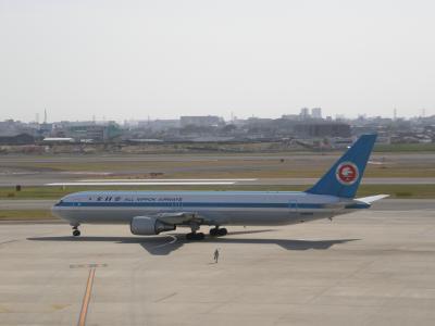 2010年04月桜を見るため関西へ その4 伊丹空港