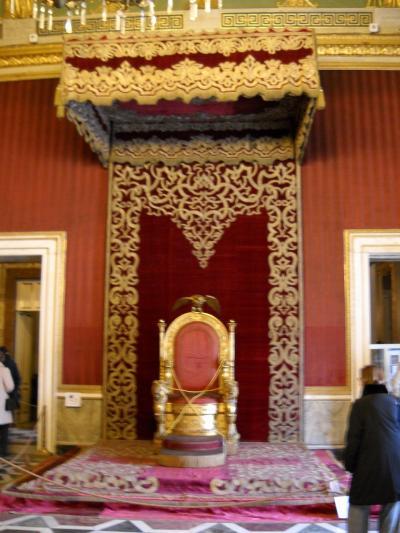 南イタリア1人旅★華麗なナポリ王宮1