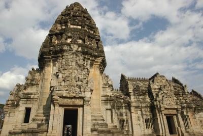 タイランド   ~微笑みの国の遺跡巡り~  第2部ナコンラチャシマ&ピマイ