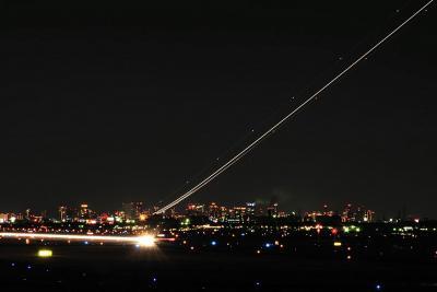 飛行機を眺める休日・大阪国際空港北端