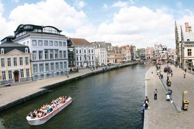 好きだなあ~この運河沿いの街並み