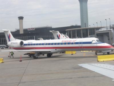 AA エコノミークラス シカゴ→デトロイト 搭乗記