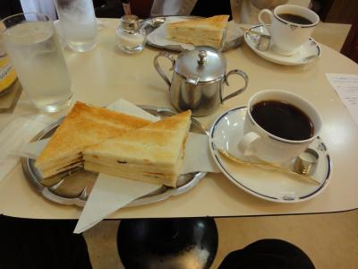 お散歩: 神田でのりトーストを食べる