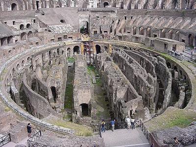 ローマ「コロッセオ」古代の遺跡