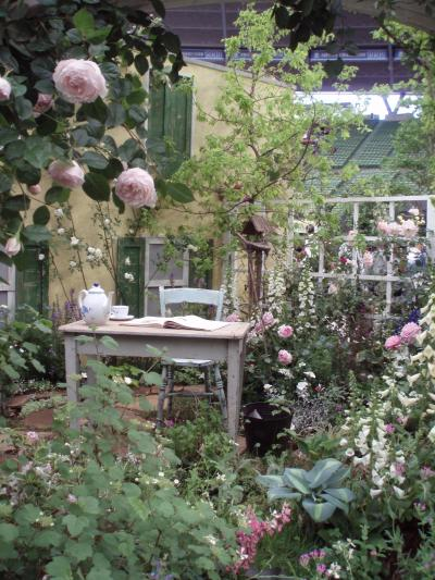 第12回国際バラとガーデニングショウ 2010 バラの貴公子の庭にうっとり♪
