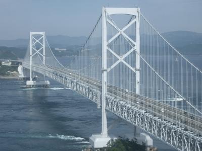 鳴門山展望台より大鳴門橋を望む。絶景かな。