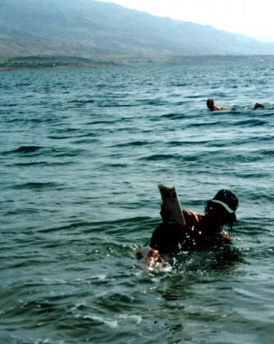 DEAD SEA(死海)で浮かんで、沈んで、全力疾走した日