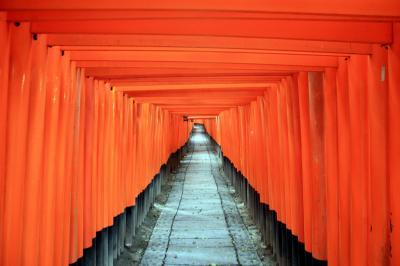 京都を歩く(61) 伏見迷宮案内 ~朱の回廊,伏見稲荷大社を行く~