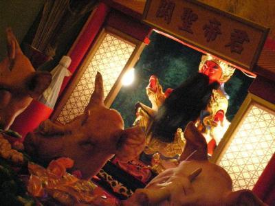 異国情緒の長崎散歩。長崎新地中華街の中秋節。龍踊りと、関聖帝君。