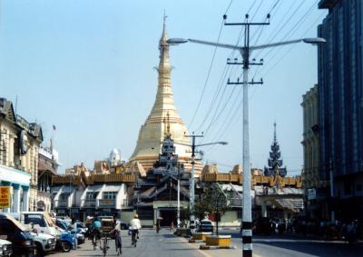 MYANMAR (ミャンマー)入国物語 <YANGON (ヤンゴン)のブラック・マーケット>