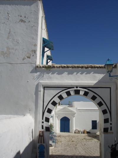 ジジ・ババ チュニジア・ドロミテ・スイスの旅ーチュニス