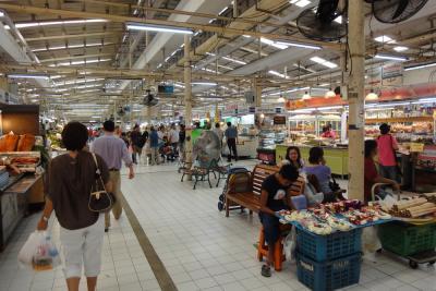 バンコク一清潔で良質な市場 ~オートーコー市場 * バンコク紀行(17) *