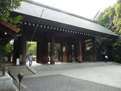 高速の深夜割引を利用して、終戦記念日が行われた直後の靖国神社に御参りしてきました。