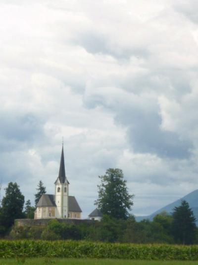清新の国スロベニアへ【07】トリグラヴ山はスロベニアのシンボルその足元にブレッド湖が輝く