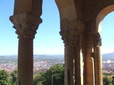 初海外ひとり旅: オビエドのカテドラル、アストゥリアス建築