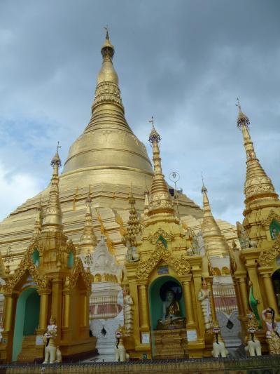 晴れ時々豪雨・・・お気楽ヤンゴン!