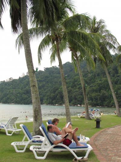 マレーシアの旅(4)・・オランウータン島とウミガメ保護センター、パンコール島を訪ねて