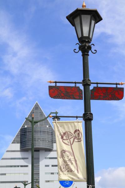 青森市内観光 「青森県観光物産館アスパム 他」