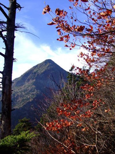 ~山歩き~ 紅葉もあと少し 高妻山と戸隠山