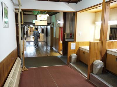 酸ヶ湯温泉旅館(Sukayu Spa)湯治部&八甲田の紅葉