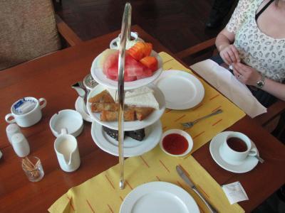 ヤンゴンで優雅なハイティーを~インヤー湖ほとりのインヤーレークホテルでお茶会~